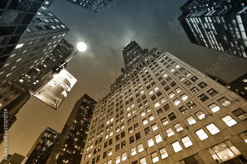 Foto Murales Manhattan skyscrapers, night view.