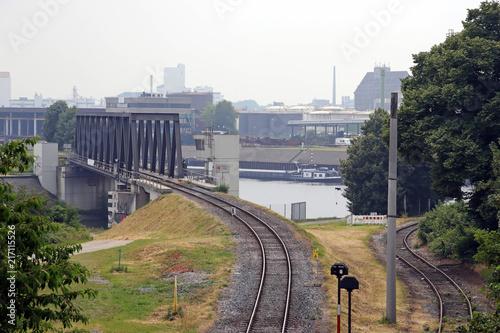 Foto Spatwand Spoorlijn bahnstrecke im hafen
