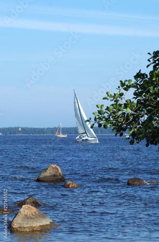 Canvas Zeilen Sailboat yacht sailing in the sea