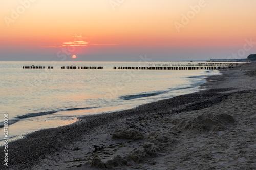Foto Spatwand Strand Beach near Sarbinowo in Poland