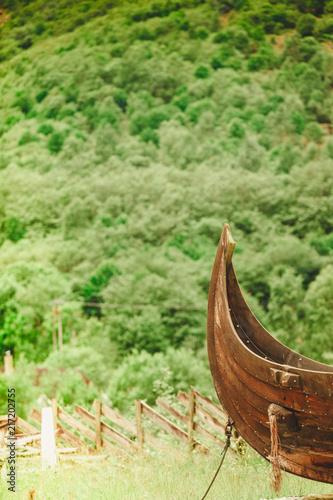In de dag Schip Part of old wooden viking boat in norwegian nature