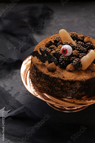 Foto Murales super chocolate cake with halloween decor