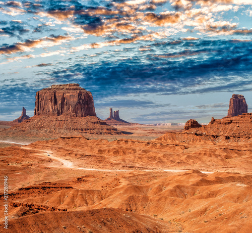 Leinwanddruck Bild Monument Valley National park on a beautiful summer day