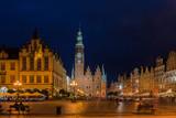 Breslau – Rathaus mit Rathausturm in der Blauen Stunde