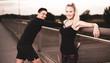 Quadro Freude am Sport, Mann und Frau haben Spaß beim Trainieren