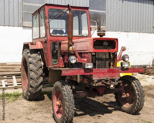 Canvas Trekker old rusty tractor