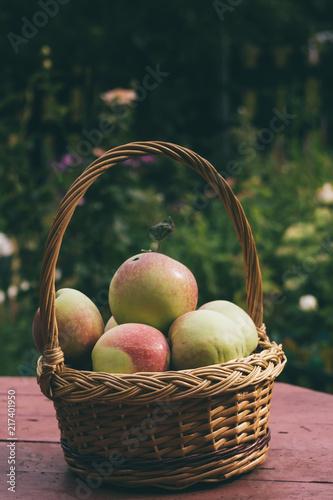 Foto Murales Apples in a Basket
