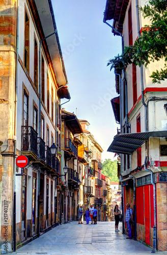 Aluminium Smalle straatjes Oviedo, Capital of Asturias, Spain