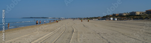 Barrosa beach in Sancti Petri, Spain, at low tide - 217409336