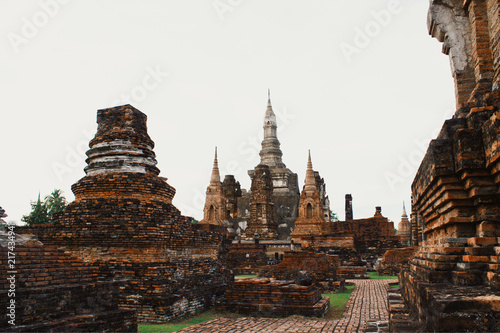 Foto Spatwand Thailand Wat Sri Chum temple is ancient of world heritage Sukhothai Historical Park, Sukhothai province, Thailand