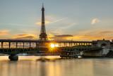 Le Soleil se lève sur Paris