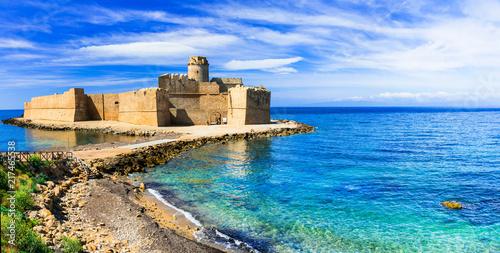 Fotobehang Freesurf Le Castella .Isola di Capo Rizzuto - amazing castle and beautiful sea in Calabria, Italy