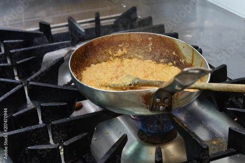risotto cucinato in un ristorante