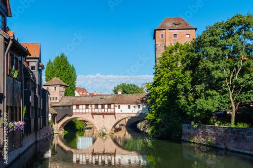 Leinwanddruck Bild Wasserspiegelung Henkermeile Nürnberg Sommer