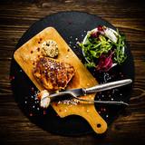 Grilled chicken fillet and vegetables - 217517913