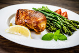 Grilled chicken breast and vegetables - 217519906