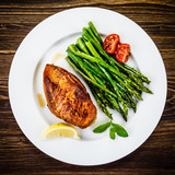 Grilled chicken breast and vegetables - 217519950