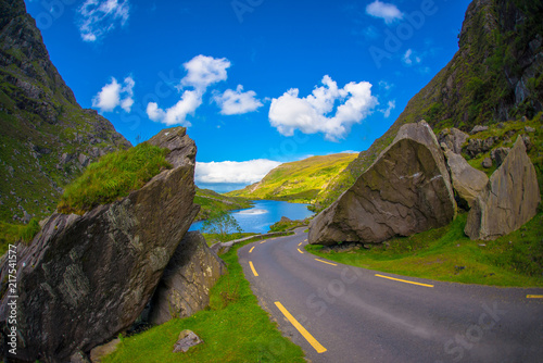 Fotobehang Lavendel Landscape of Gap of Dunloe drive in The Ring of Kerry Route. Killarney, Ireland.
