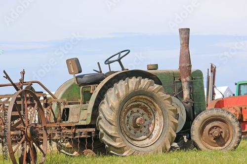 Canvas Trekker Vintage tractor
