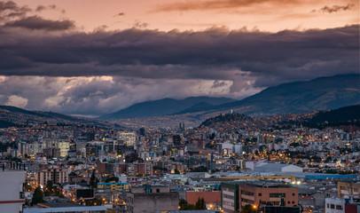 vista di quito ecuador © tommypiconefotografo