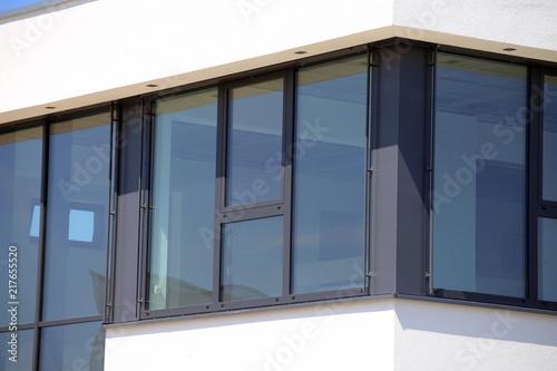 Foto Murales Neues Kunststofffenster, Außenaufnahme