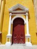 Puerta principal - 217768372
