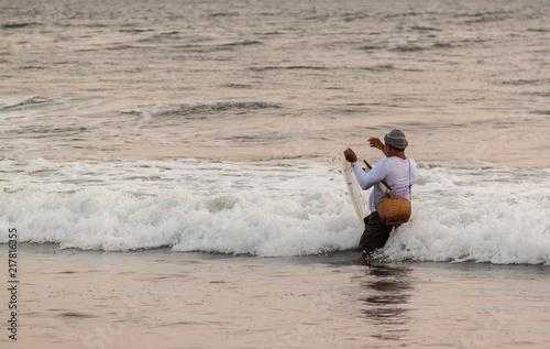 Fotobehang Bali Balinese fisherman (3)