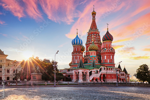 Leinwanddruck Bild Moscow, Russia - Red square view of St. Basil's Cathedral at sunrise, nobody