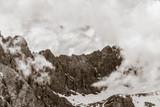 Zugspitze mit Woken in den Alpen