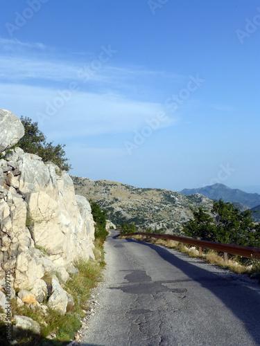 Straße im Nationalpark Biokovo - 218097715