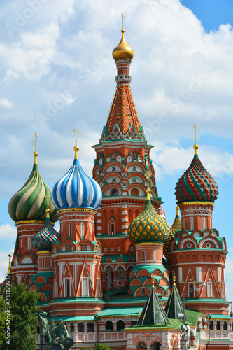 Canvas Moskou St. Basil's Cathedral, moscow, russia, cathedral, church, basil, architecture, kremlin, square, red, orthodox, red square, old, dome, building, st, travel, history, religion, sky, saint, monument