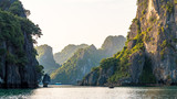 Ha Long Bucht, Vietnam - 218343543