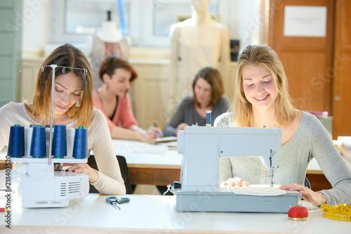 Leinwanddruck Bild sewing class