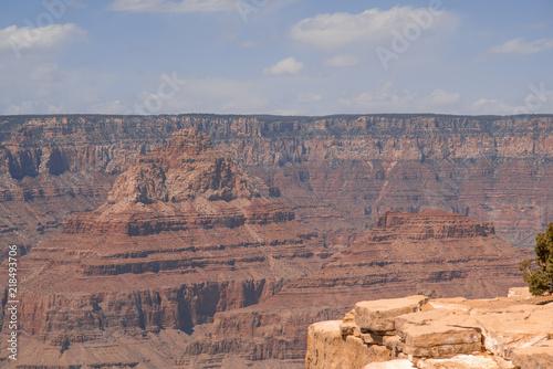 Aluminium Arizona Closeup view on red rocks of Grand Canyon on sunny day
