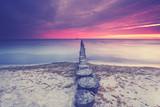 Strand mit Buhnen - 218821370