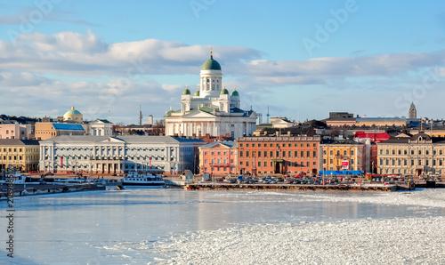 Leinwanddruck Bild Helsinki cityscape with Helsinki Cathedral in winter, Finland