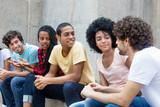 Gruppe internationaler Jugendlicher im Gespräch © Daniel Ernst