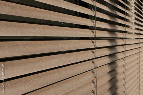 Jalousie Sonnen Schutz Fassade - 219203183
