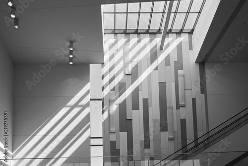 nowoczesna-architektura-z-betonu-i-swiatla