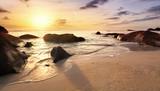Seychelles au crépuscule. - 219291597
