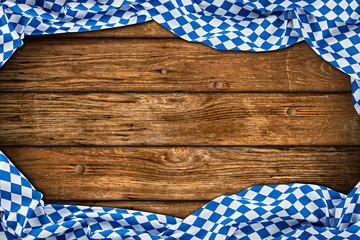 Rustikaler Oktoberfest holz hintergrund leer mit wiesn bayern bayrische fahne flagge / bavaria wooden wood background with bavarian flag empty copy space © stockphoto-graf
