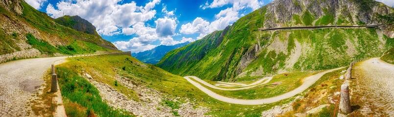 Serpentinen der Tremola am Gotthardpass, Uri, Tessin, Schweiz