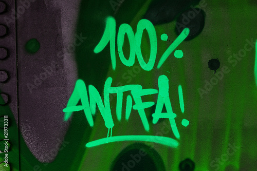 100% Antifa Graffito