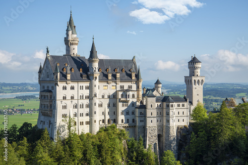 Leinwanddruck Bild neuschwanstein castle on a sunny day