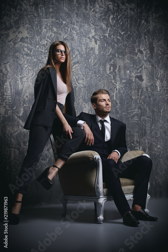 Leinwandbild Motiv couple on grey background