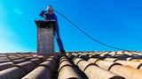 ramonage de cheminée - 219935775