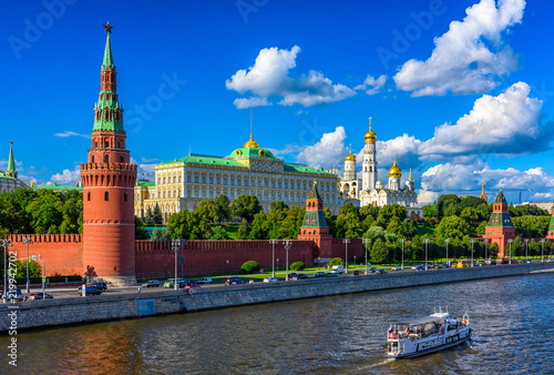 Leinwanddruck Bild Moscow Kremlin, Kremlin Embankment and Moscow River in Moscow, Russia. Architecture and landmark of Moscow