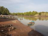 Port sur un bolong en Gambie - 219943555