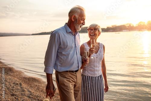 Leinwanddruck Bild Enjoying their golden years