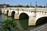 Pont Neuf sur la Seine à Paris, France